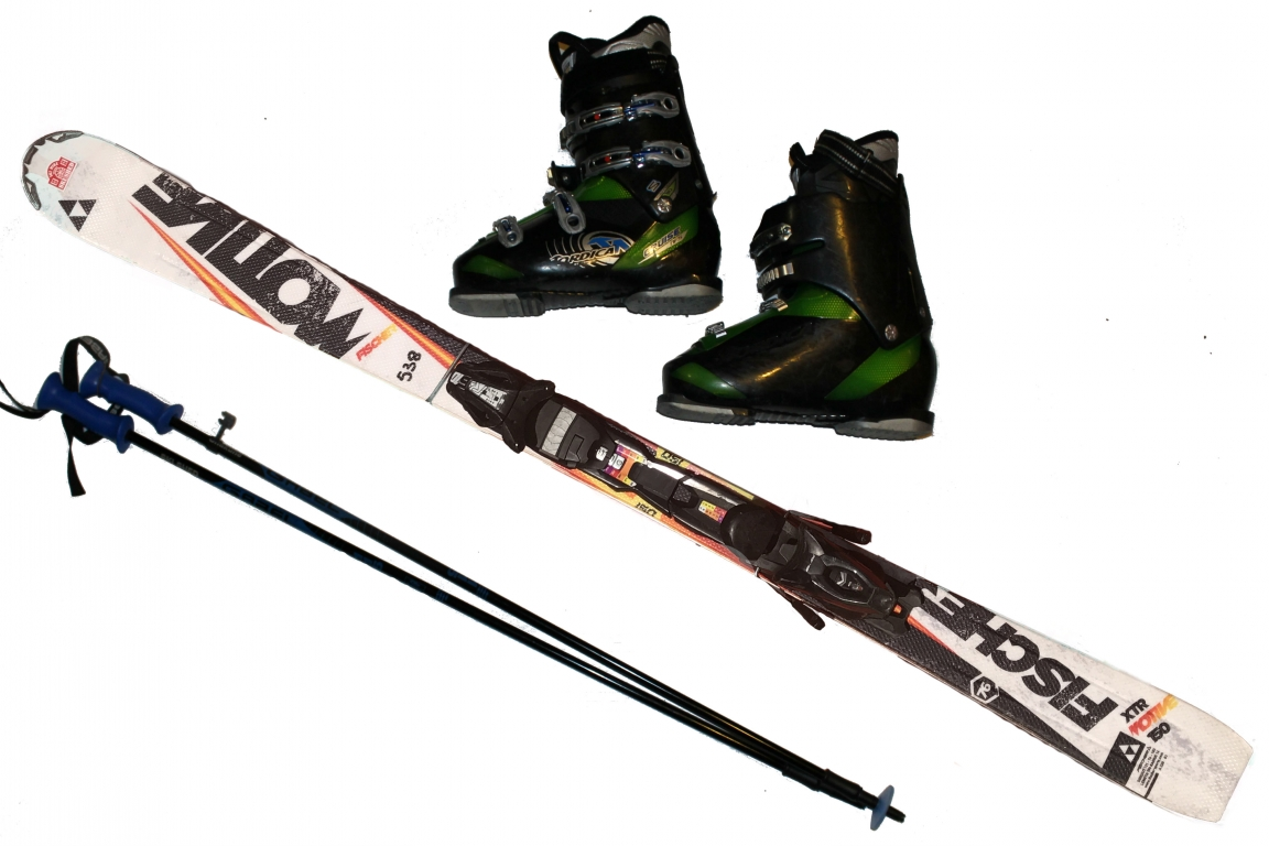 Carving skis boots poles adult skiing ski hire